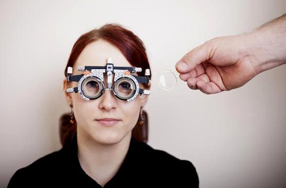 Sử dụng kính có đúng độ để có đôi mắt khỏe đẹp