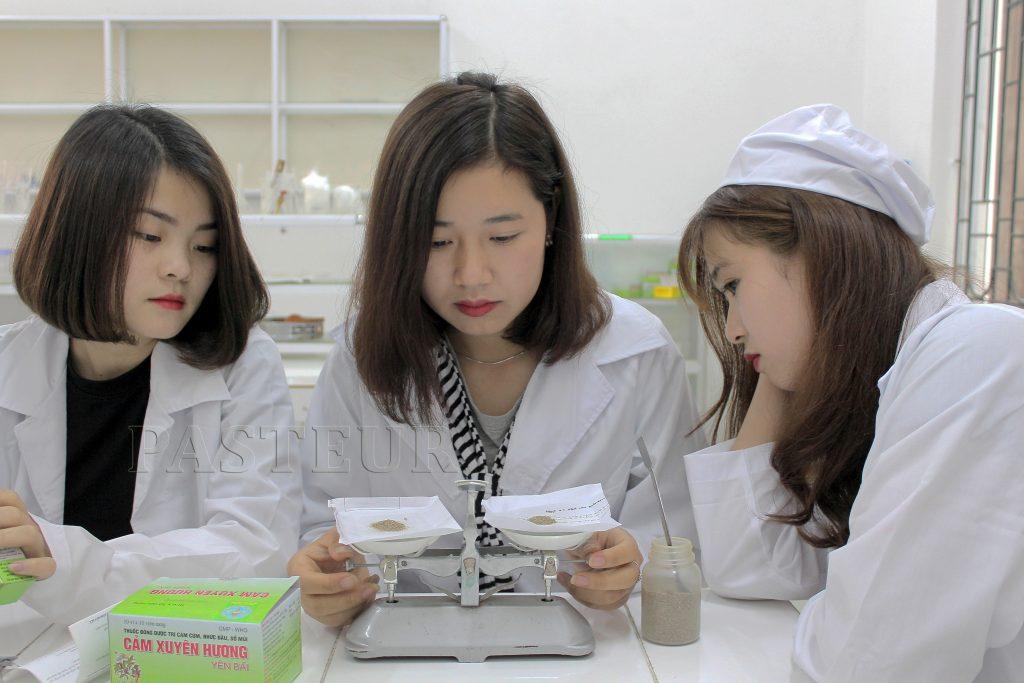 Cao đẳng Dược Hà Nội tuyển sinh năm 2017 như thế nào?