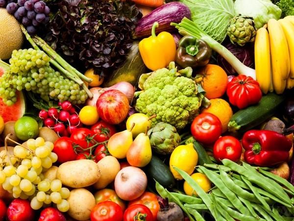 Nhiều rau xanh hoa quả tươi là một chế độ ăn lành mạnh