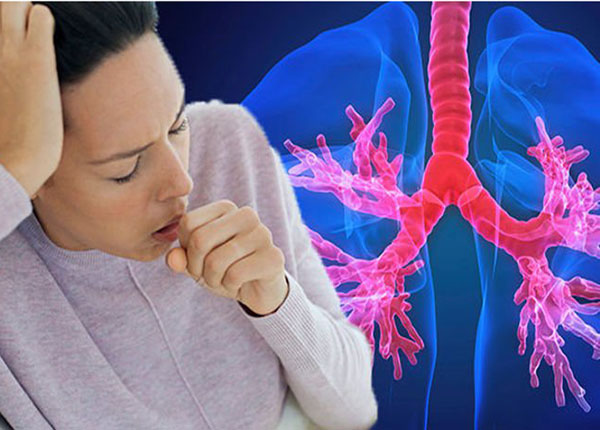 Lồng ngực bị biến dạng do biến chứng của bệnh hen suyễn