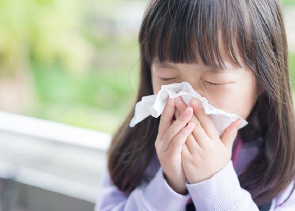 Trẻ nhỏ dễ bị cúm vì sức đề kháng và hệ miễn dịch còn yếu