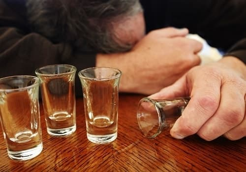Sử dụng một lượng nhỏ bia rượu cũng có thể gây hại cho sức khỏe