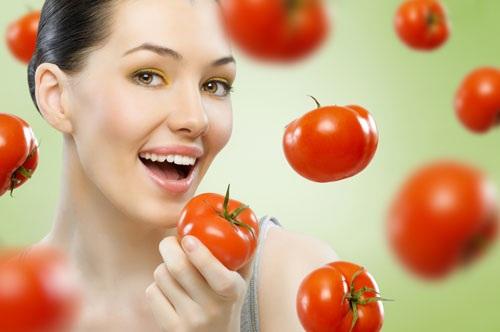 Cách trẻ hóa da mặt bằng cà chua