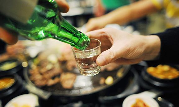 Bia rượu là tác nhân gây ra nhiều vấn đề xã hội