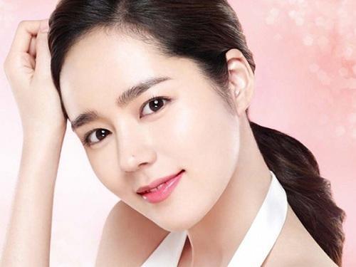 Bấm mí Hàn Quốc đang trở thành trào lưu làm đẹp