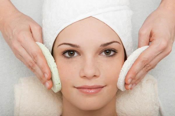 Giữ sạch da có thể đẩy lùi mụn trứng cá