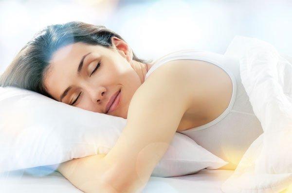 Ăn ngủ khoa học giúp bạn đẩy lùi mụn trứng cá