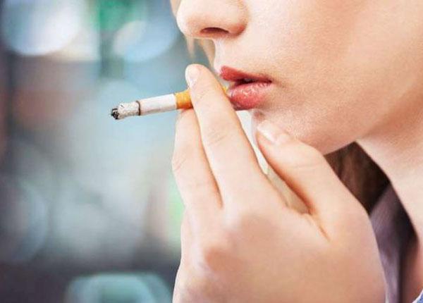 Hút thuốc lá gây ảnh hưởng xấu đến xương cốt