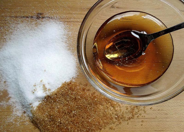 Tẩy da chết với mặt nạ đường mật ong nâu
