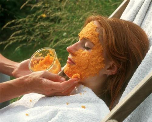 Chăm sóc làn da mềm mại bằng cà rốt