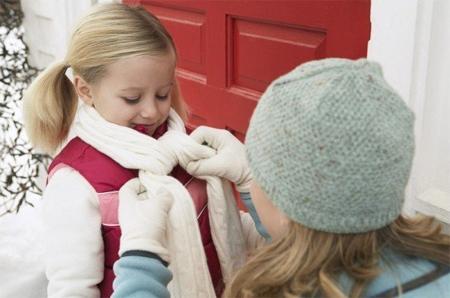 Giữ ấm cơ thể khi trời lạnh là cách phòng ngừa bệnh dị ứng thời tiết