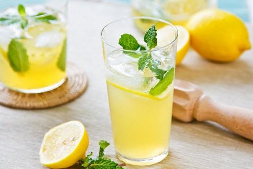Uống nước chanh thanh lọc cơ thể, đào thải độc tố