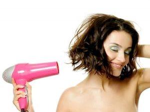 Sấy tóc ở nhiệt độ vừa phải