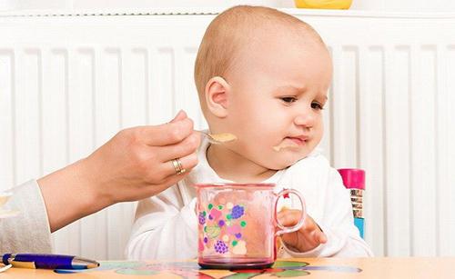 Nếu con của bạn xuất hiện tình trạng biếng ăn hãy cân nhắc kĩ có thể bé đang thiếu hụt kẽm