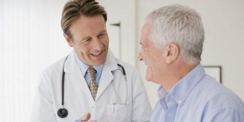 vì sao người cao tuổi lại dễ mắc viêm phổi