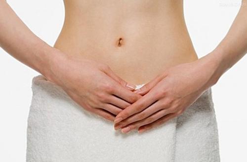 Vệ sinh vùng kín sạch sẽ trước và sau khi quan hệ tình dục