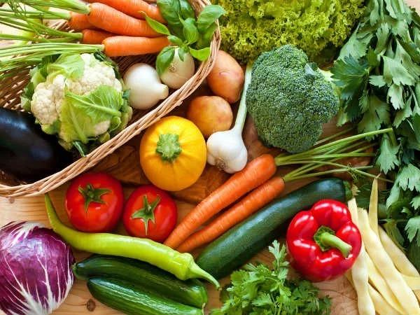 Rau xanh trái cây tươi rất tốt cho cơ thể , giảm thiểu nguy cơ mắc bệnh