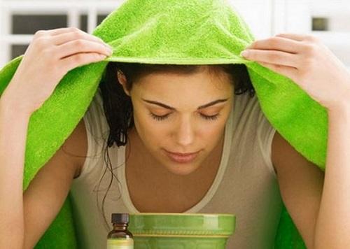 Cách trị mụn hiệu quả với phương pháp xông hơi bằng tinh dầu sẽ giúp bạn cung cấp dưỡng chất tự nhiên, nuôi dưỡng làn da và kích thích tái tạo tế bào da mớ